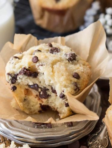 bakery-style-chocolate-chip-muffins-1-of-1-15-675x1003